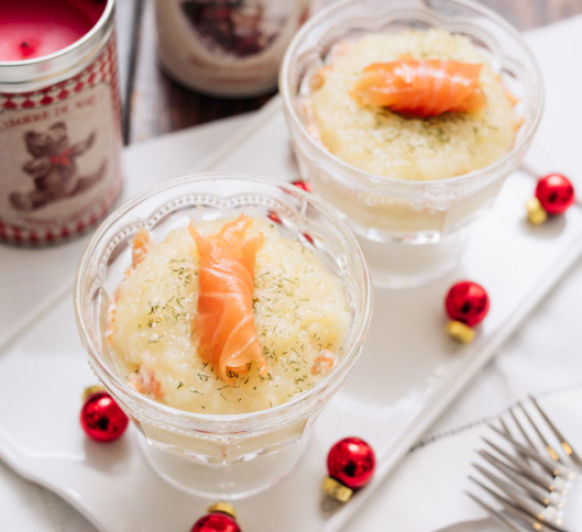 Copa de cocktail de patata y salmón
